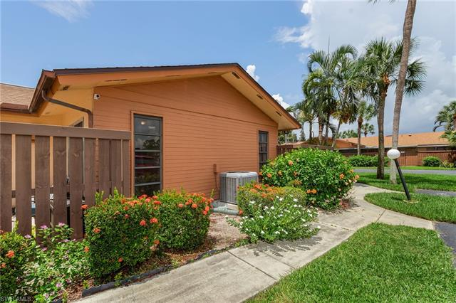 17314 Timber Oak Ln, Fort Myers, FL 33908