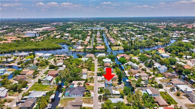 27264 J C Ln, Bonita Springs, FL 34135