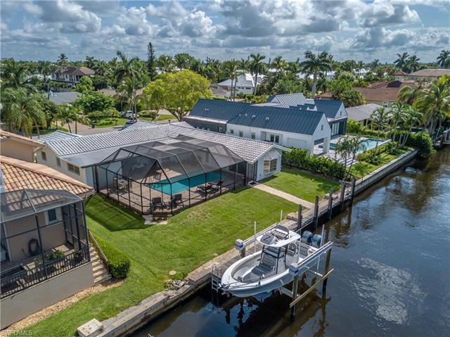 1400 Marlin Dr, Naples, FL 34102