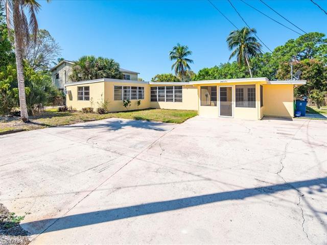 24519 Dolphin St, Bonita Springs, FL 34134