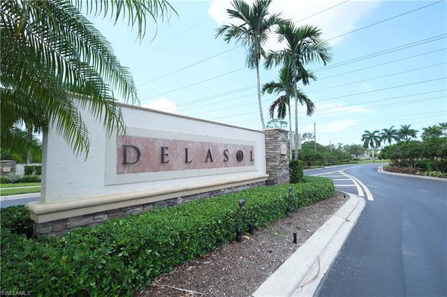 15900 Delaplata Ln, Naples, FL 34110