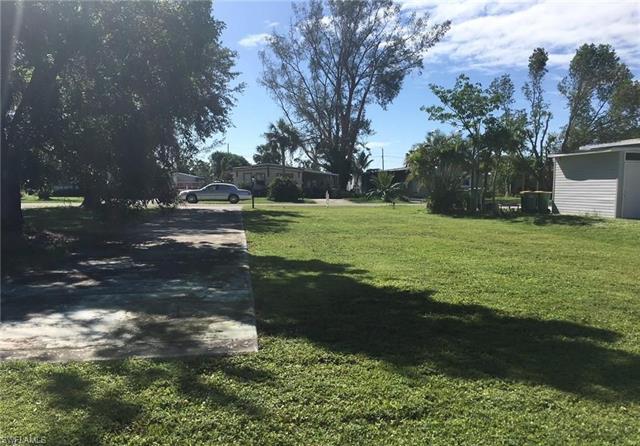 171 Pine Key Ln, Naples, FL 34114