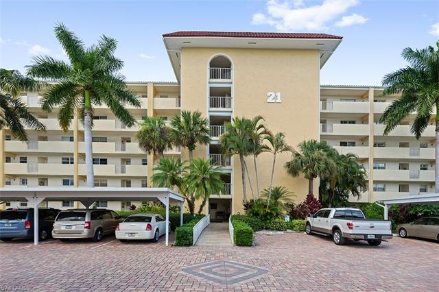 21 High Point Cir E 601, Naples, FL 34103