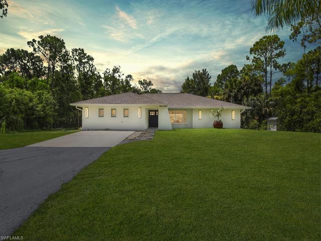 5810 Golden Oaks Ln, Naples, FL 34119