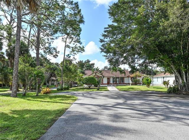 6066 Lancewood Way, Naples, FL 34116