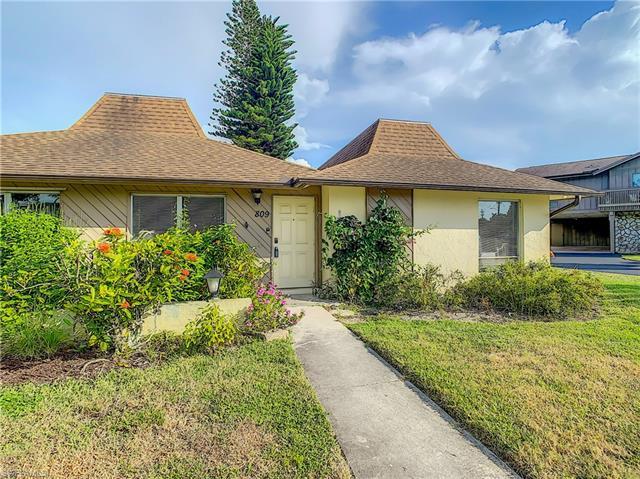 809 Palm View Dr 8, Naples, FL 34110
