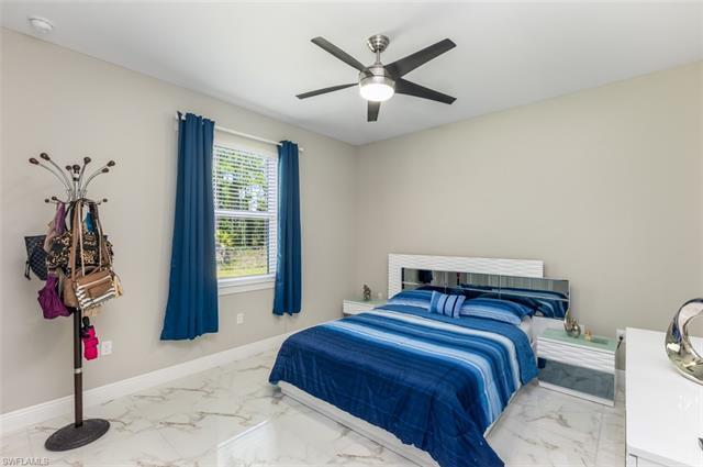 2948 2nd Ave Ne, Naples, FL 34120