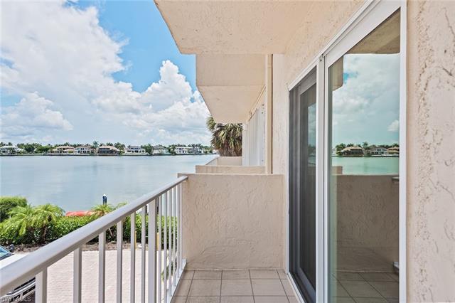 3450 Gulf Shore Blvd N 202, Naples, FL 34103