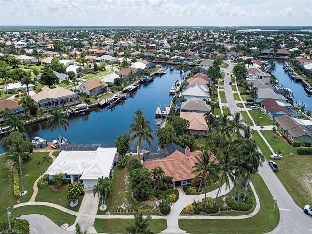 1520 Buccaneer Ct, Marco Island, FL 34145