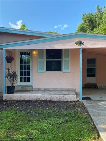 2996 Connecticut Ave, Naples, FL 34112