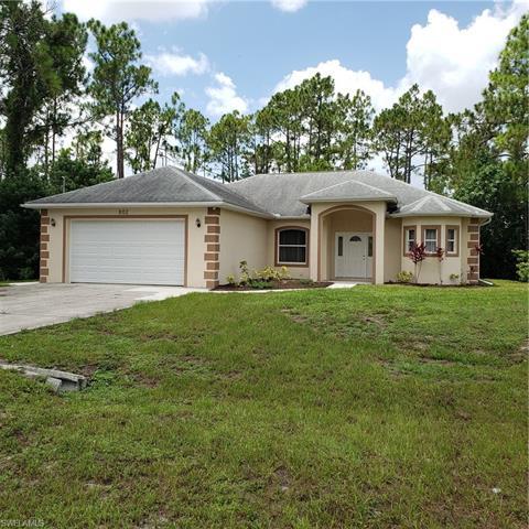 802 Oakridge Ave, Lehigh Acres, FL 33974