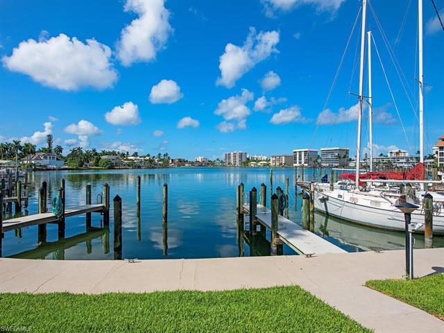 366 Harbour Dr 366, Naples, FL 34103