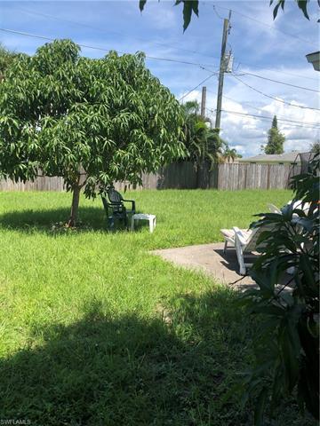 719 98th Ave N, Naples, FL 34108