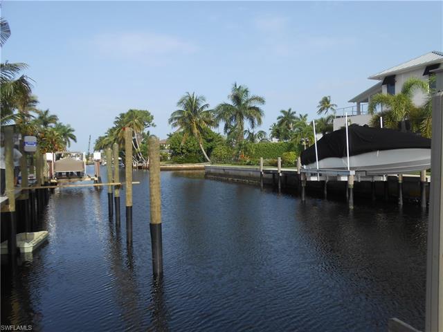 1559 Marlin Dr, Naples, FL 34102