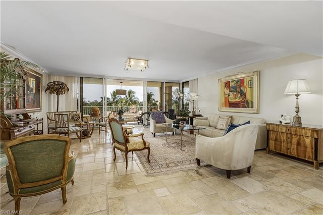 6597 Nicholas Blvd 404, Naples, FL 34108