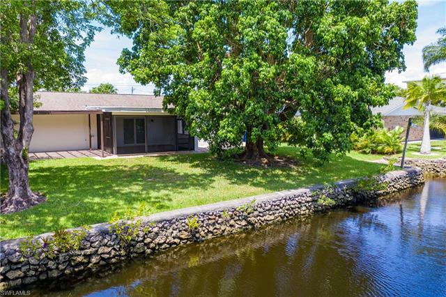 27211 Belle Rio Dr, Bonita Springs, FL 34135