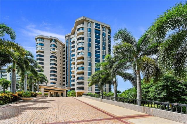 6075 Pelican Bay Blvd 1105, Naples, FL 34108