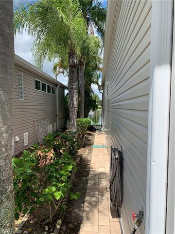 1066 Silver Lakes Blvd, Naples, FL 34114