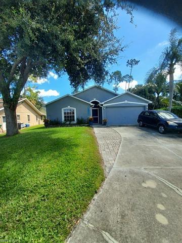 4032 Moss Ln, Naples, FL 34112