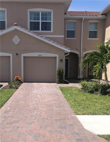 2729 Citrus St, Naples, FL 34120