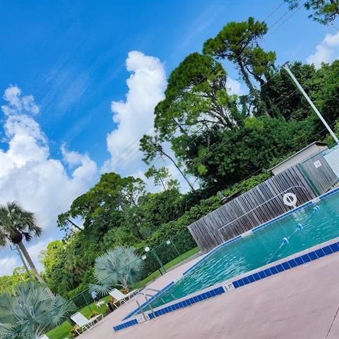 1635 Park Meadows Dr 4, Fort Myers, FL 33907