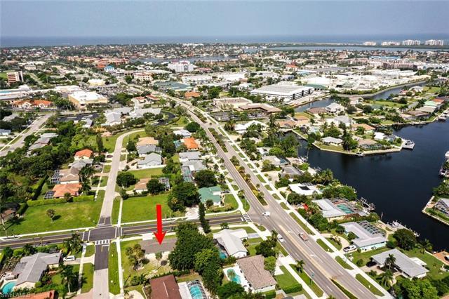 1200 Bluebird Ave, Marco Island, FL 34145