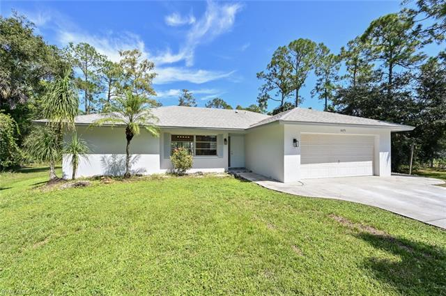 6075 Dogwood Way, Naples, FL 34116