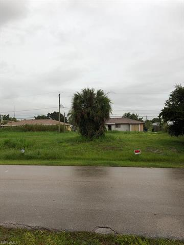 17469/471 Dumont Dr, Fort Myers, FL 33967