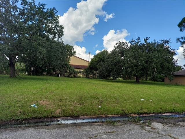 930 Zana Dr, Fort Myers, FL 33905