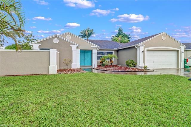 3161 Pineapple Ct, Naples, FL 34120