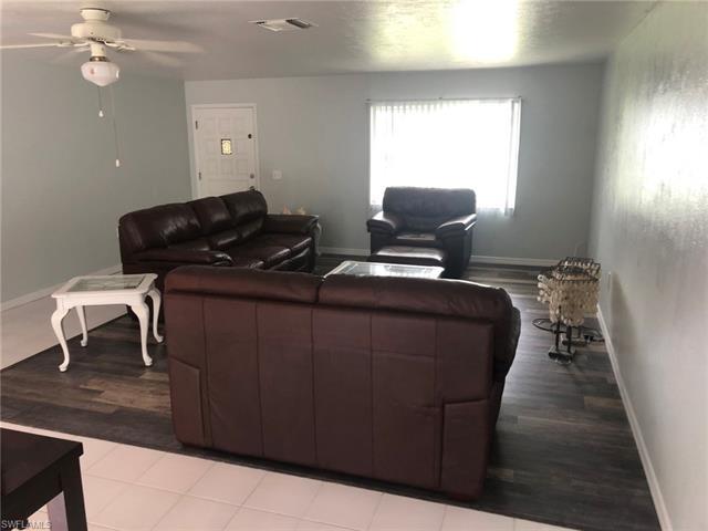 15362 Myrtle St, Fort Myers, FL 33908