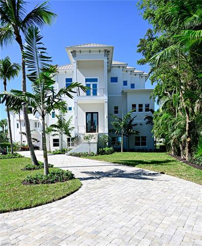 105 Bonaire Ln, Bonita Springs, FL 34134