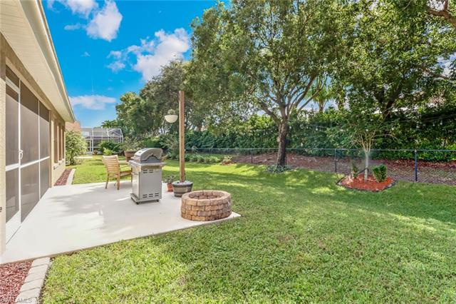 7585 Citrus Hill Ln, Naples, FL 34109