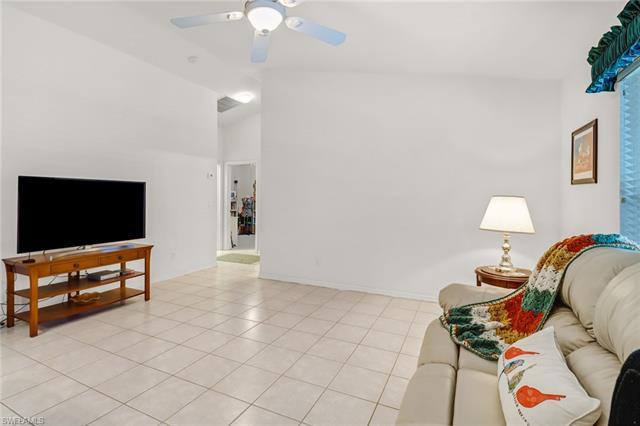1141 22nd Ave Ne, Naples, FL 34120