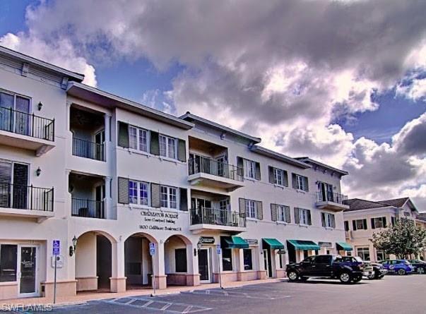 1400 Gulf Shore Blvd N 207, Naples, FL 34102