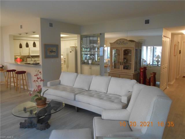 6820 Pelican Bay Blvd 122, Naples, FL 34108