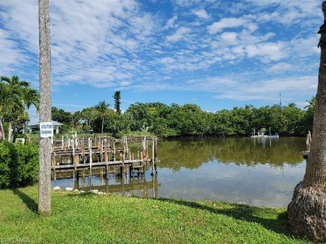 414 Papaya St 51, Goodland, FL 34140