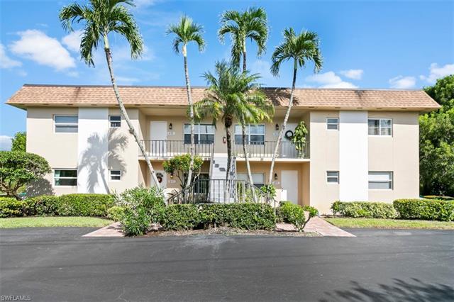 641 Palm View Dr 2, Naples, FL 34110