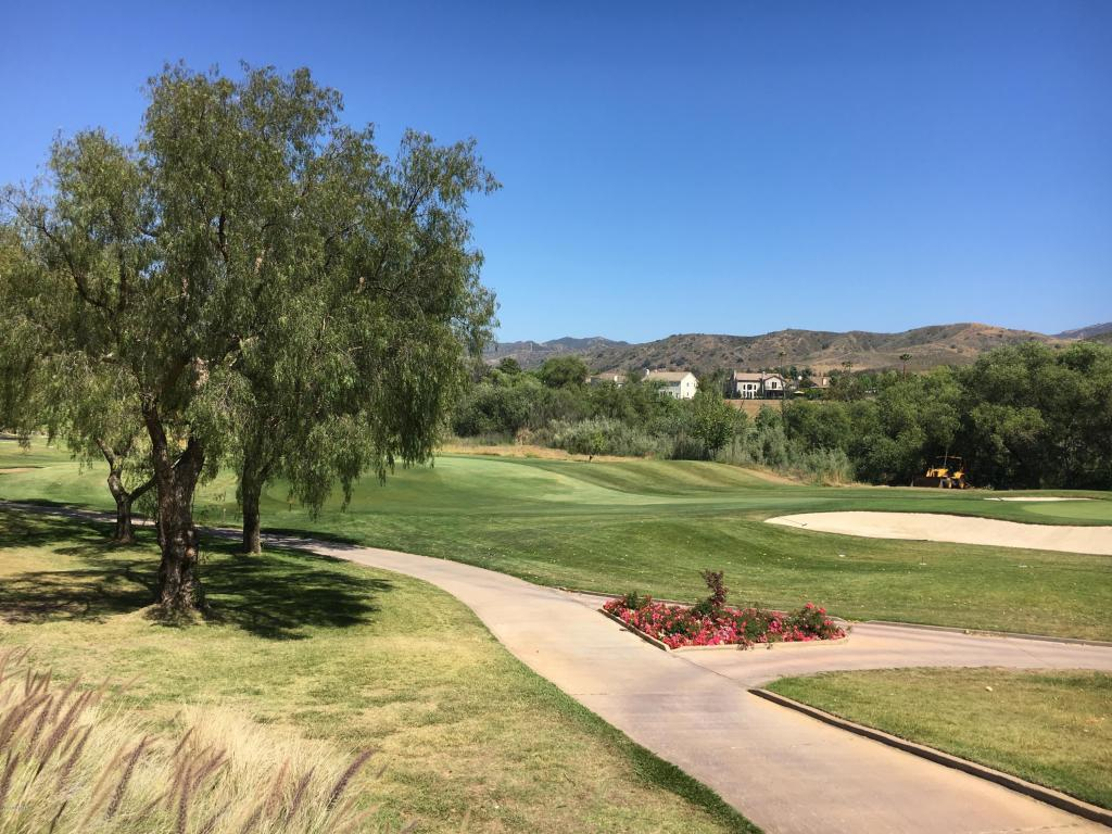 454 Country Club Drive, Simi Valley, CA 93065