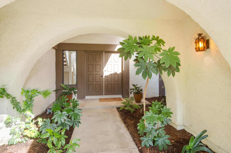 898 Gold Spring Place, Westlake Village, CA 91361