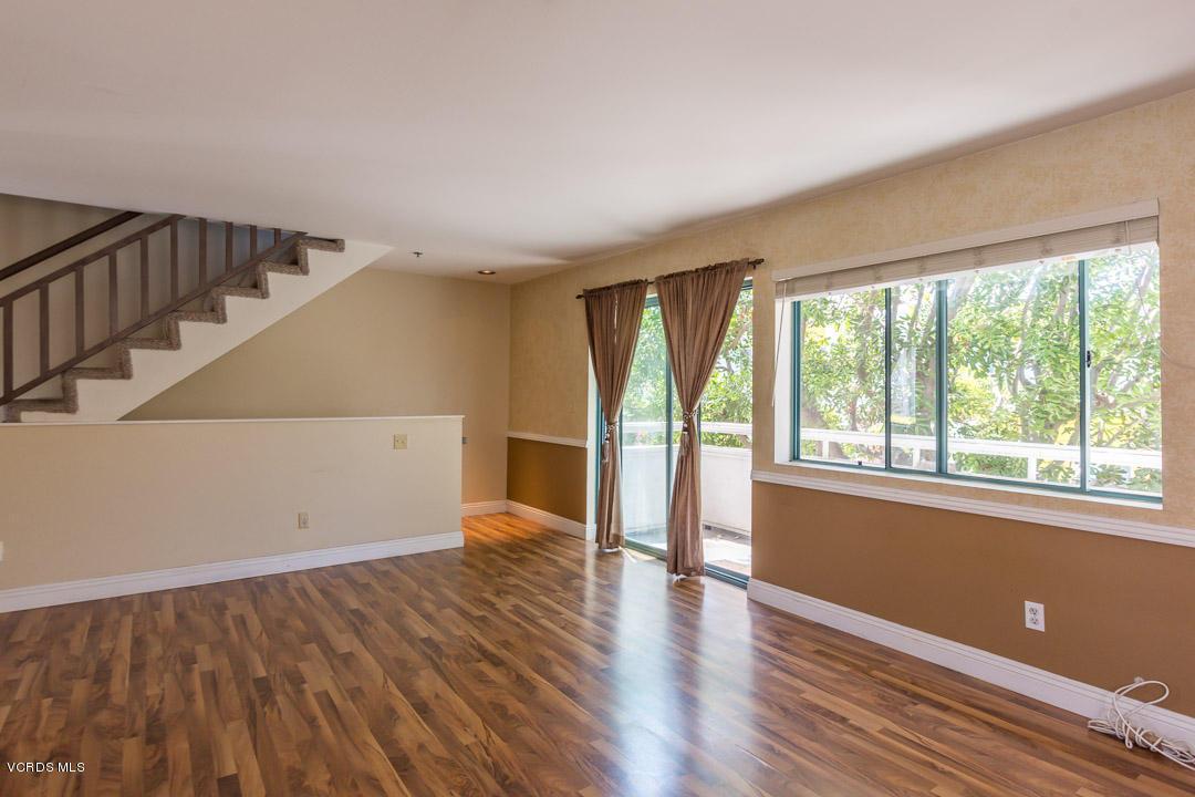 877 S B Street, Oxnard, CA 93030