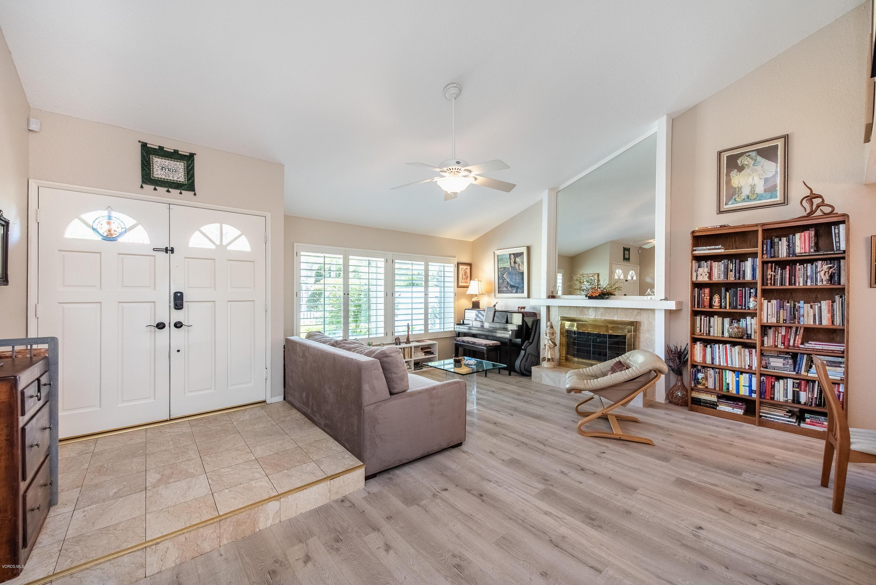 245 Windtree Avenue, Thousand Oaks, CA 91320
