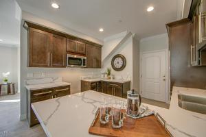 1731 Patricia Avenue, Simi Valley, CA 93065