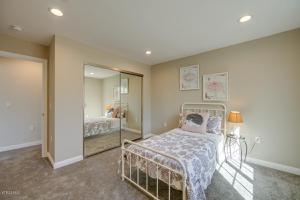1701 Patricia Avenue, Simi Valley, CA 93065