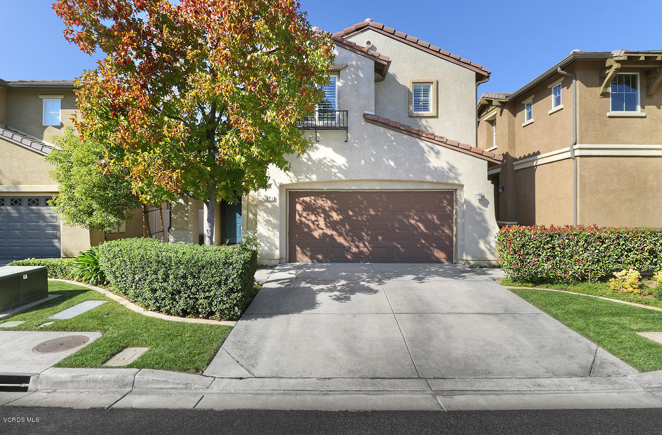 571 Clearwater Creek Drive, Newbury Park, CA 91320