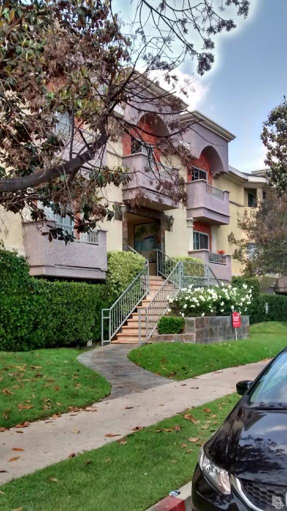 7035 Woodley Avenue, Van Nuys, CA 91406