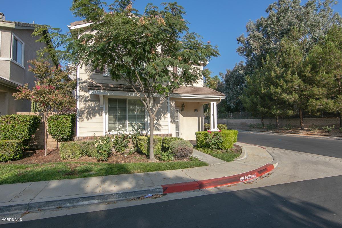 2565 Cloverleaf Lane, Simi Valley, CA 93063