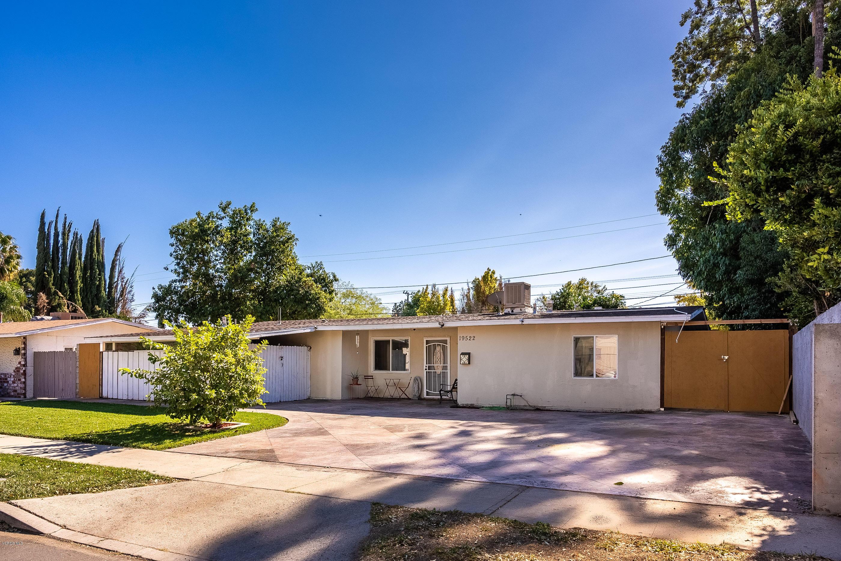 19522 Lull Street, Reseda, CA 91335