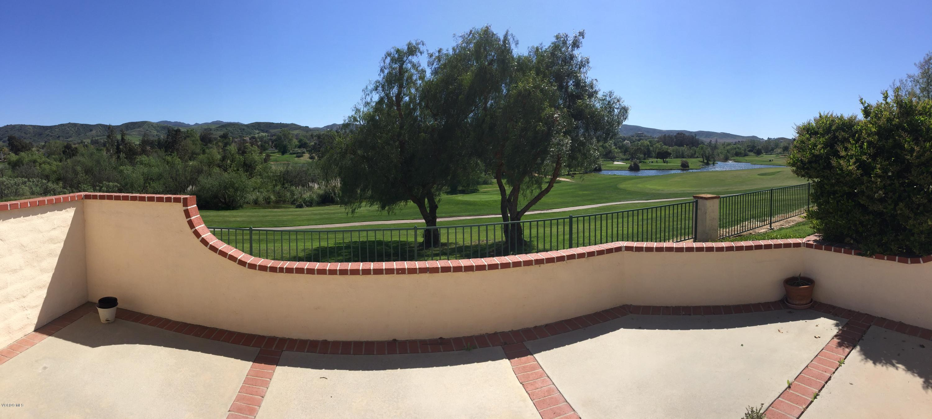 334 Country Club Drive, Simi Valley, CA 93065