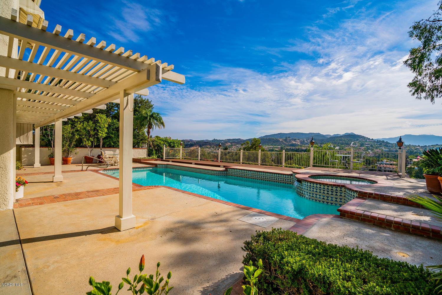 24612 Park Granada, Calabasas, CA 91302